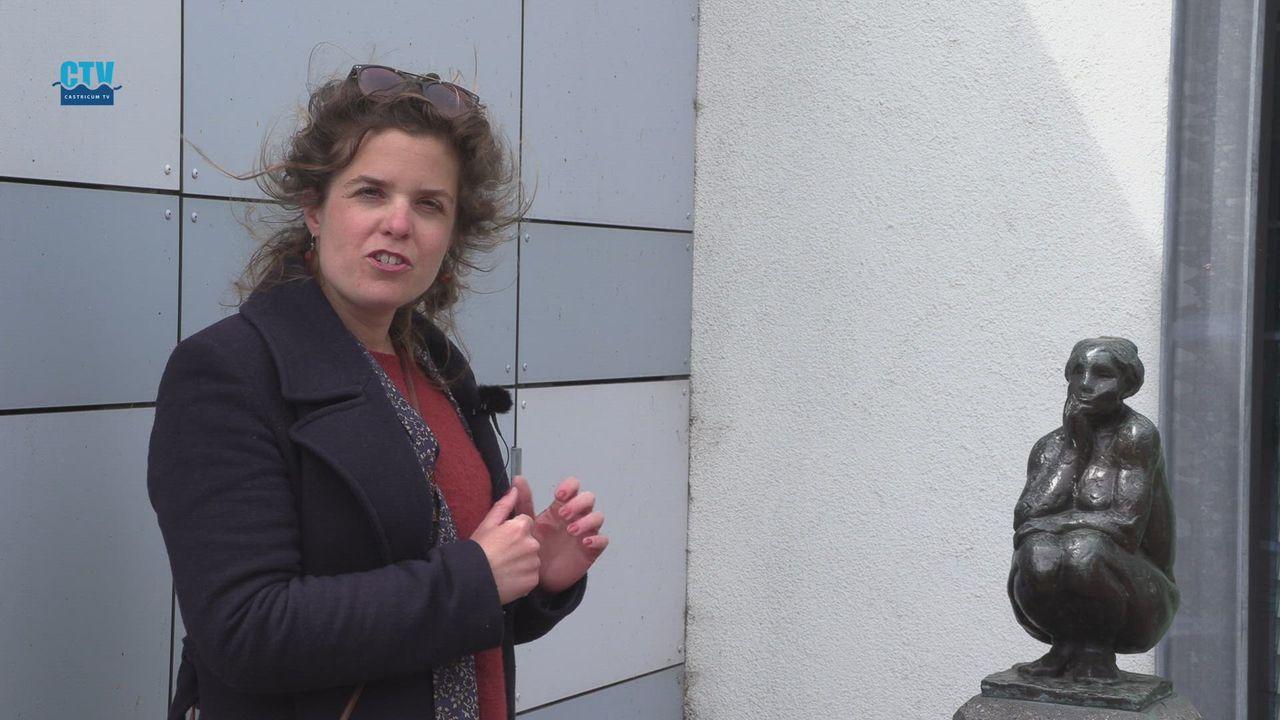 Castricum in Beelden: Hurkende Vrouw